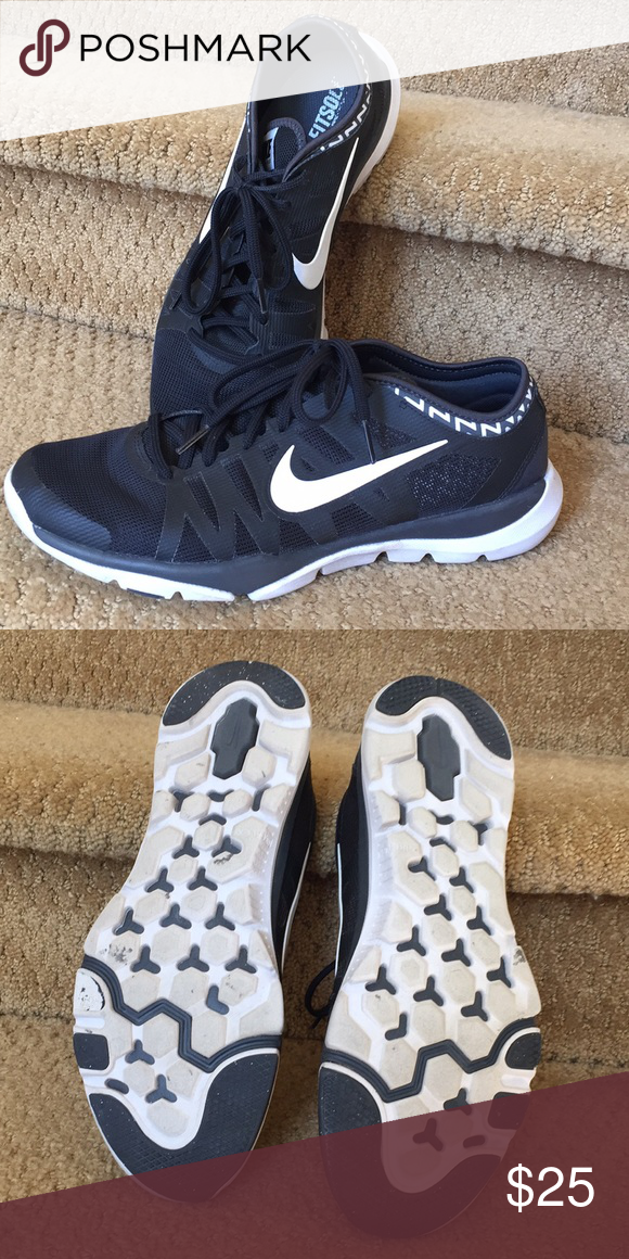 Nike women s fitsole cross trainer shoes Black white sole black laces. Mesh  top and sides. Nike Shoes Athletic Shoes 9b3540e8452