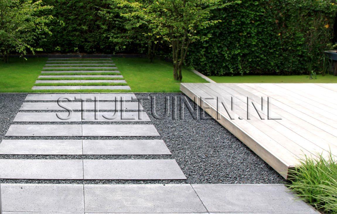 Wellness tuin met luxe terrasoverkapping met sauna en jacuzzi natuurlijke moderne wellnesstuin - Eigentijdse tuinfoto ...