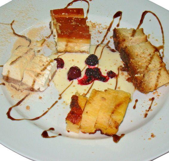 Pastelitos de postre. Restaurante Bodegon El Pato. Cartaya (Huelva).