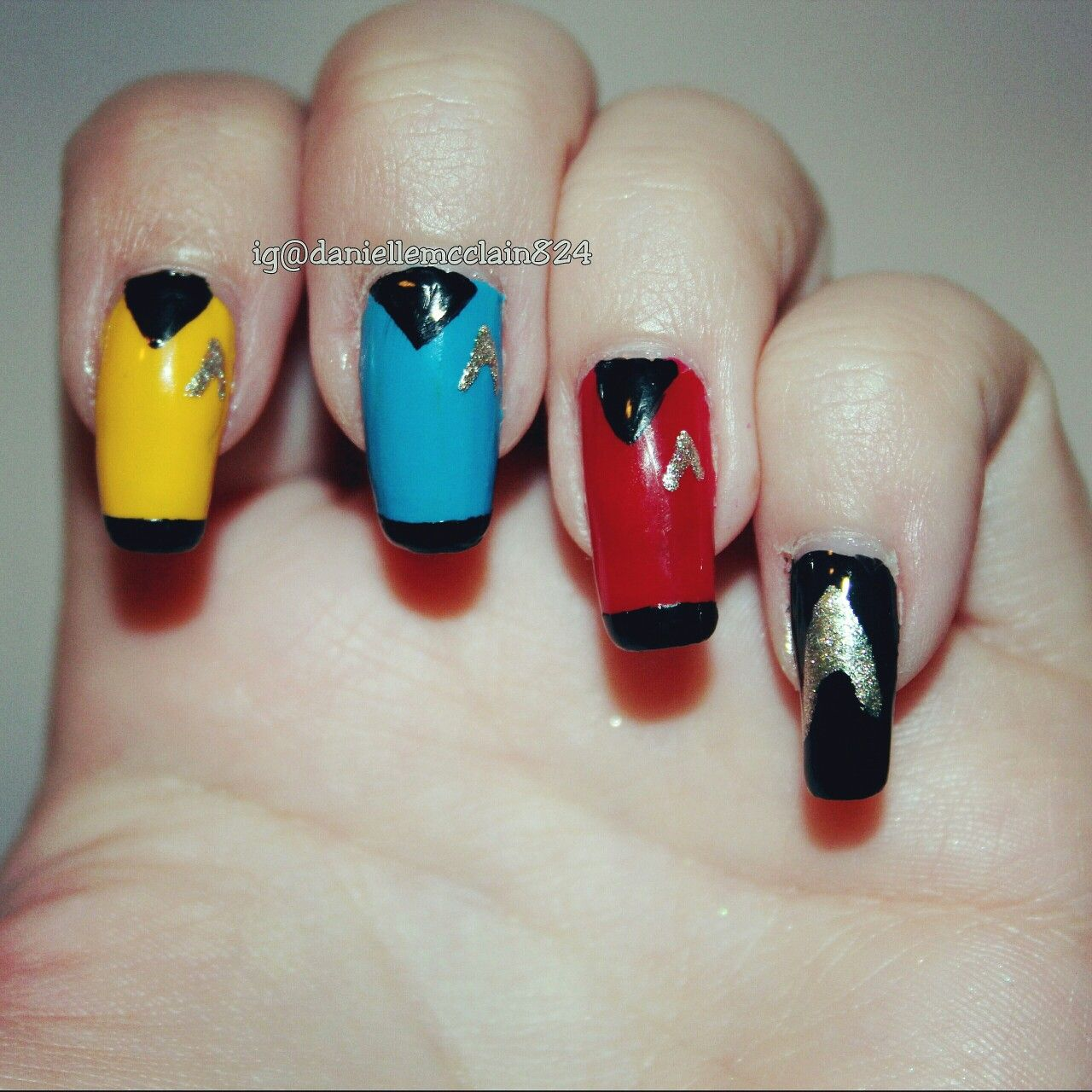 An easy designs of star trek nail art! hand painted by ...