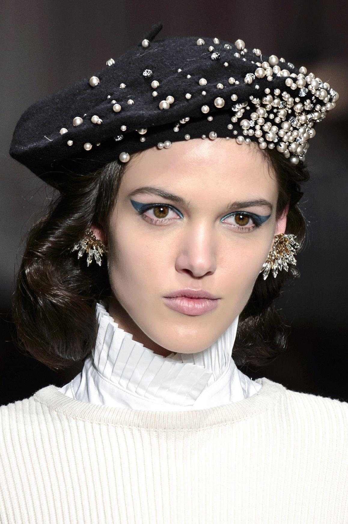 Fashion Alert --  Il basco è la tendenza che completerà meglio i ... 5c0a3625d5f9