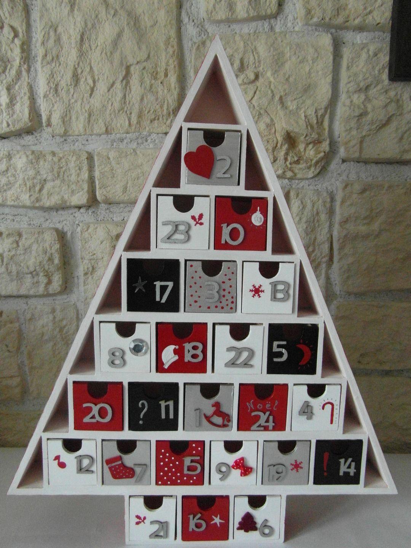 Calendrier de l 39 avent forme sapin calendrier de l 39 avent - Calendrier de l avent en bois a decorer ...
