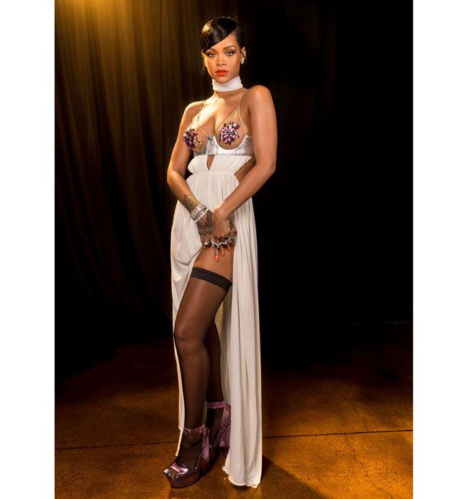 Rihanna miley cyrus nude