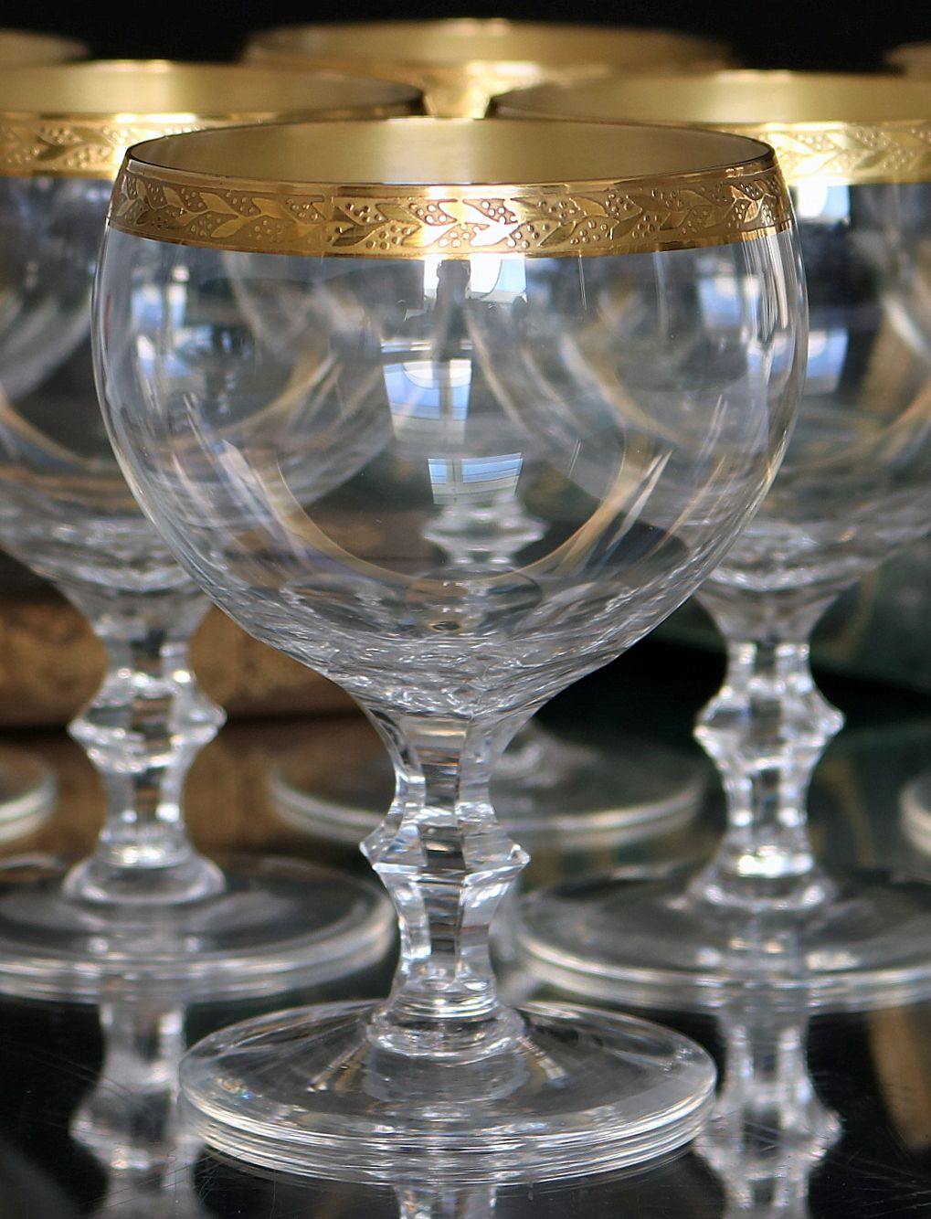 2x Crystal Wine Glasses With Textured 24k Gold Rim Wine Goblets Crystal Wine Glasses Vintage Crystal Glasses Crystal Glassware