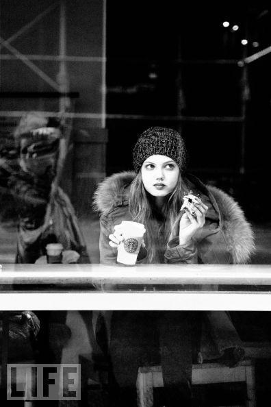winter starbucks. Cafe life