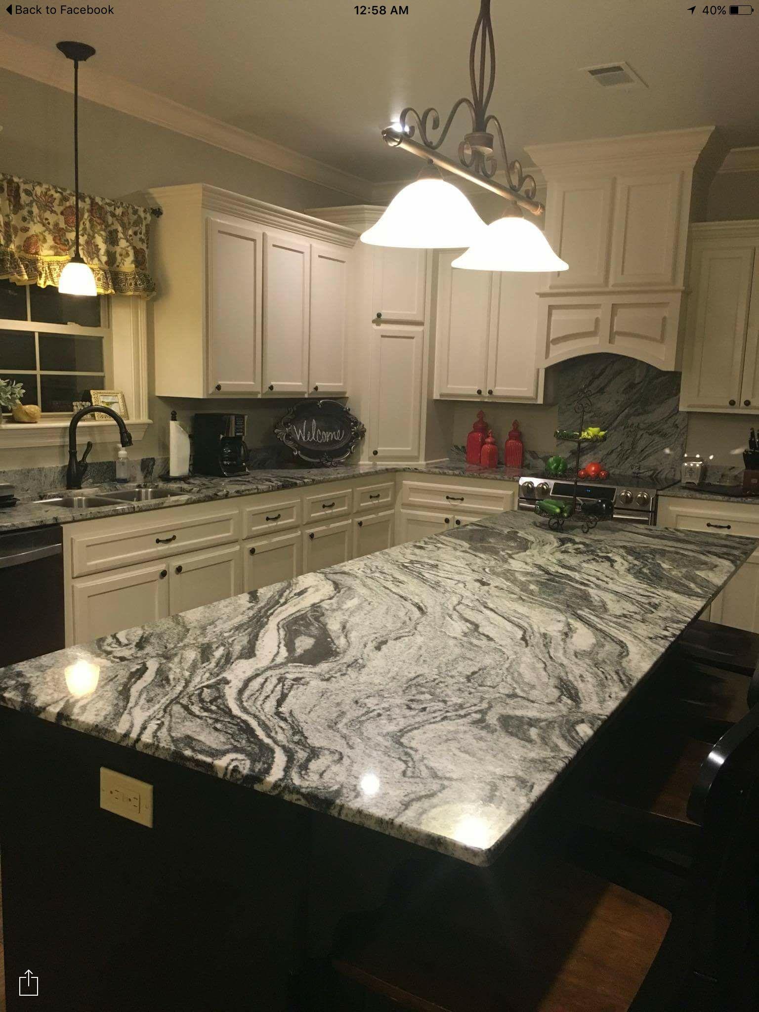 Viscont White Kitchen Lake House