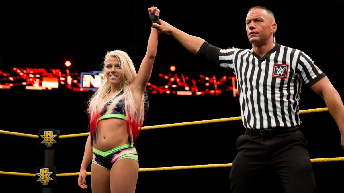 d43086479 WWE NXT Fotos 13 April 2016 Alexa Bliss t Tye