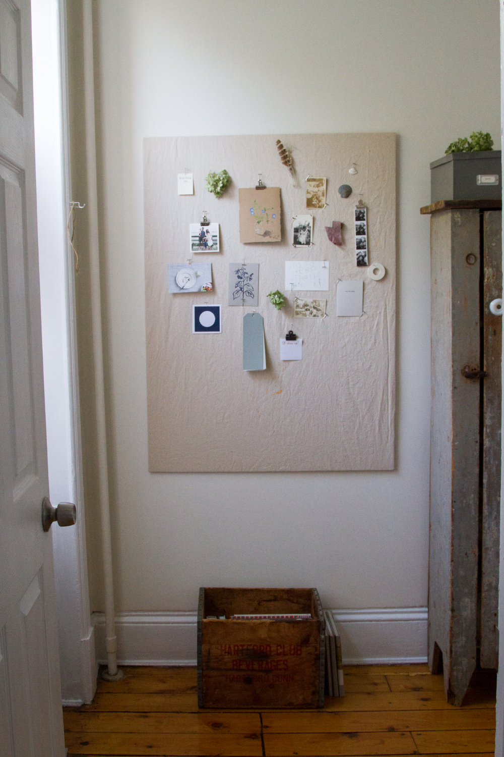 Photo of make your own: pinboard.