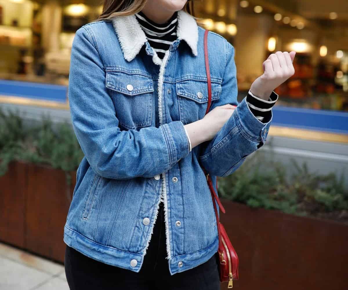 Wear This Sherpa Denim Jacket Every Weekend Just Ashley Lane Dallas Style Blog Jacket Outfit Women Spring Outfits Casual Casual Fall Outfits [ 1002 x 1200 Pixel ]