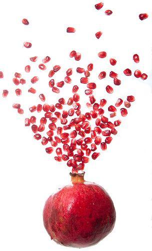 pomegranate has large zinc count, calcium, copper, iron, magnesium, manganese, phosphorous, potassium, selenium