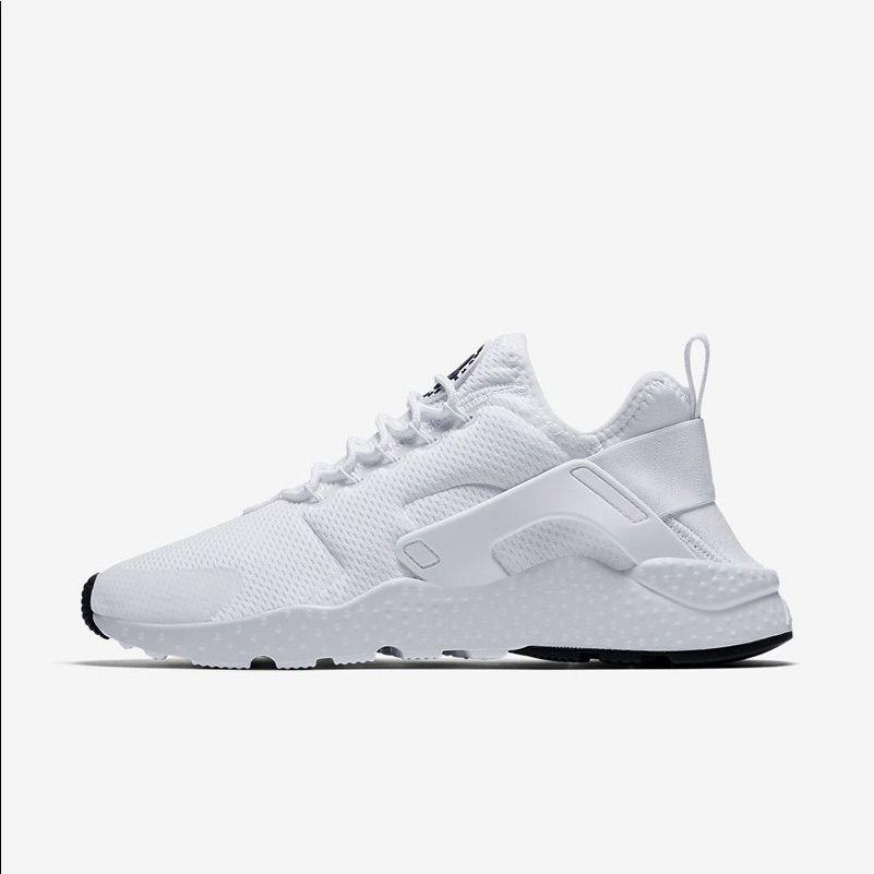 Nike Ultra Huaraches White Never Worn In 2020 Nike Air Huarache Ultra Air Huarache Ultra Nike Air Huarache