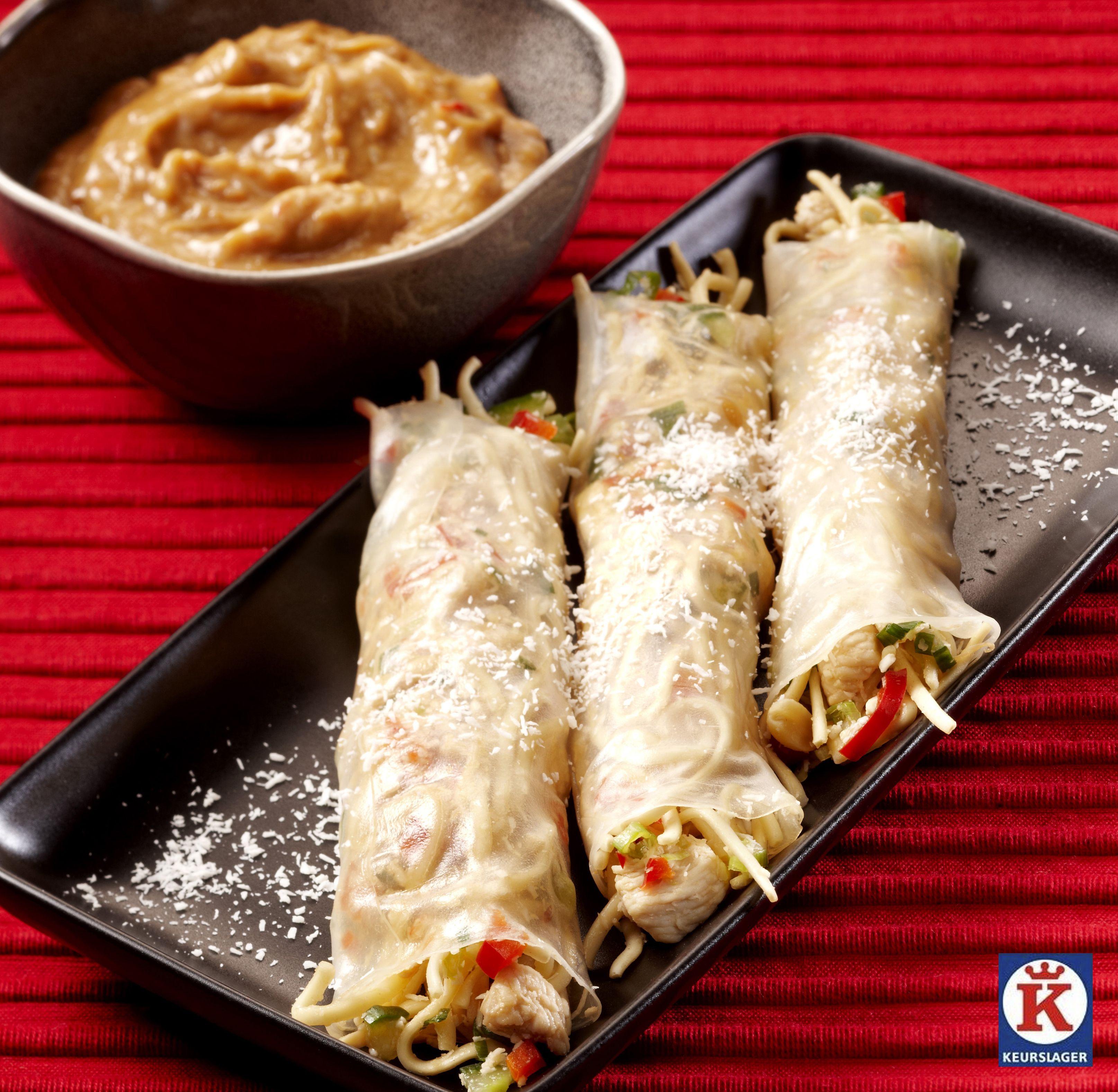 We rollen de zomer in met deze summer rolls met kip in rijstvellen!