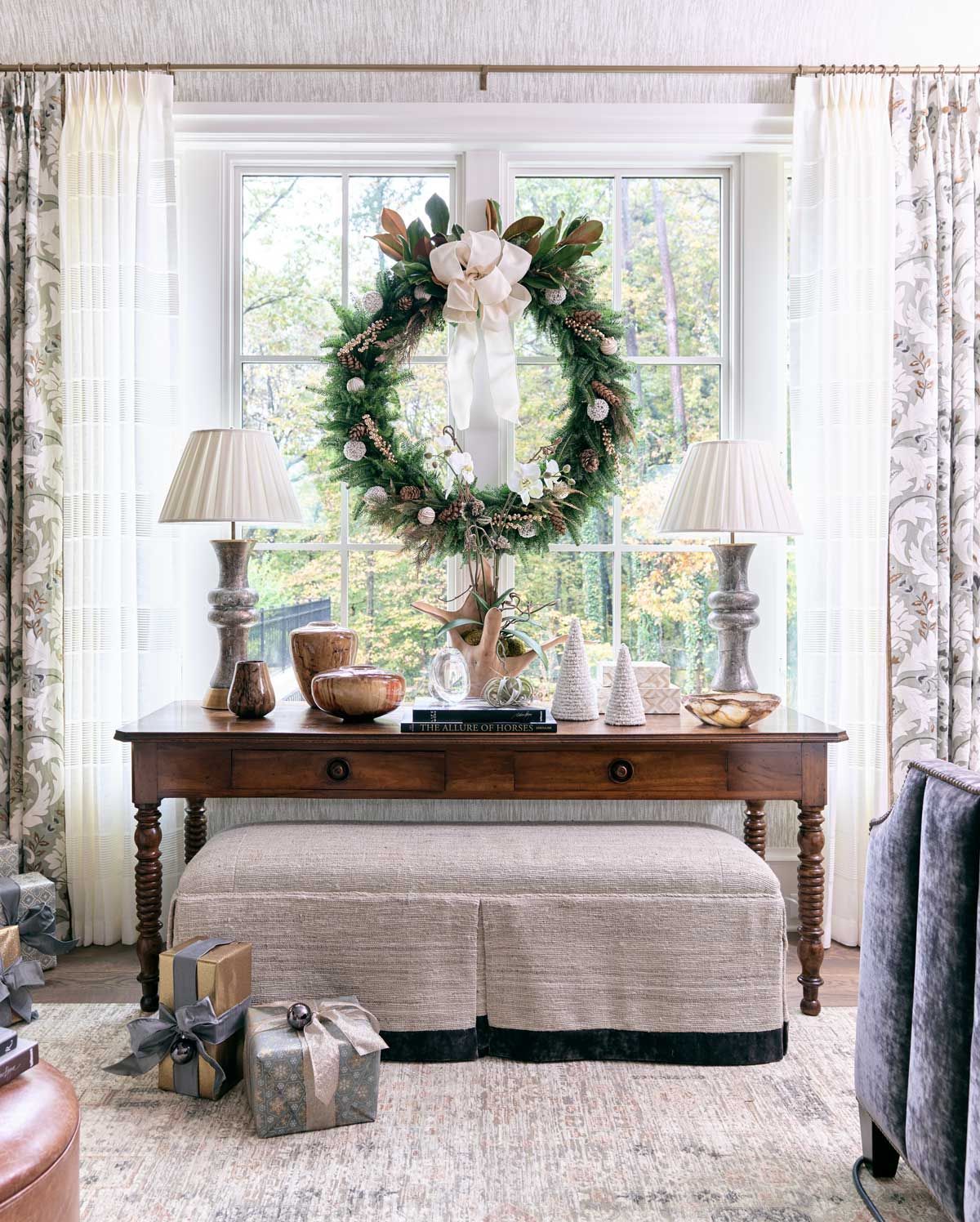 Atlanta Homes Lifestyles Home For The Holidays Showhouse With Traditional Christmas Decor By Jessica Bradley On Thou Swell Thouswellblog