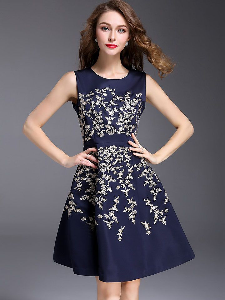 c02d9fb796f11 Elegant O-Neck Short Sleeve Embroidery Skater Dress