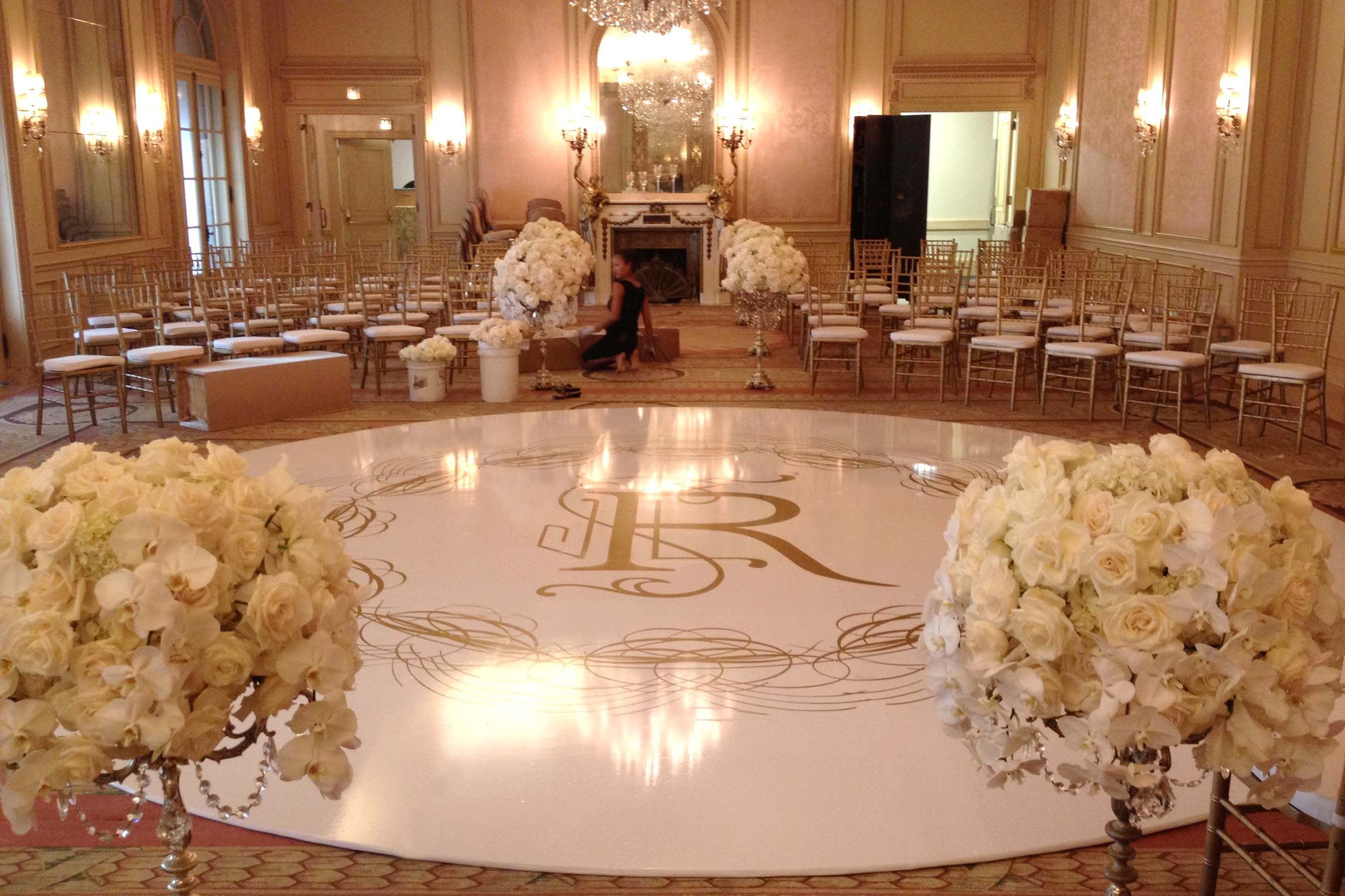 Custom Seamless White Circle Dance Floor With Gold