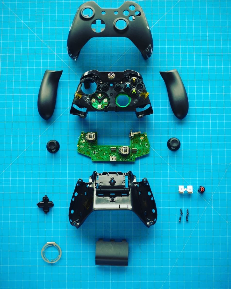 The Insides Of An Xbox One Controller Custom Controllers Ready To Buy On Our Website Www Primzstarmodz Co Uk Use Code5 To Get 5 Off On Ch Primzstar