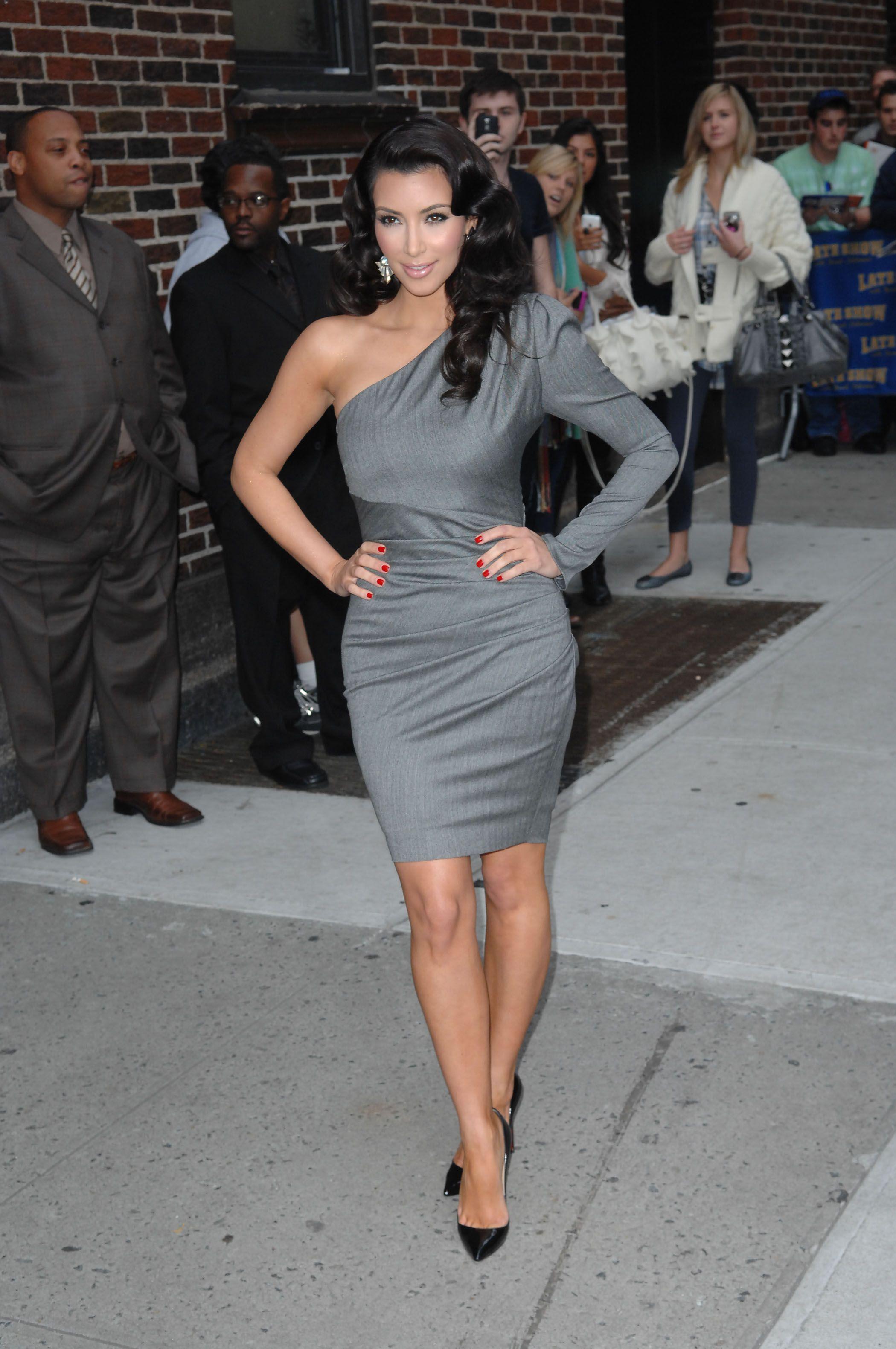 grey dress kim kardashian | Looks - Dresses - Evening - Short - Grey ...