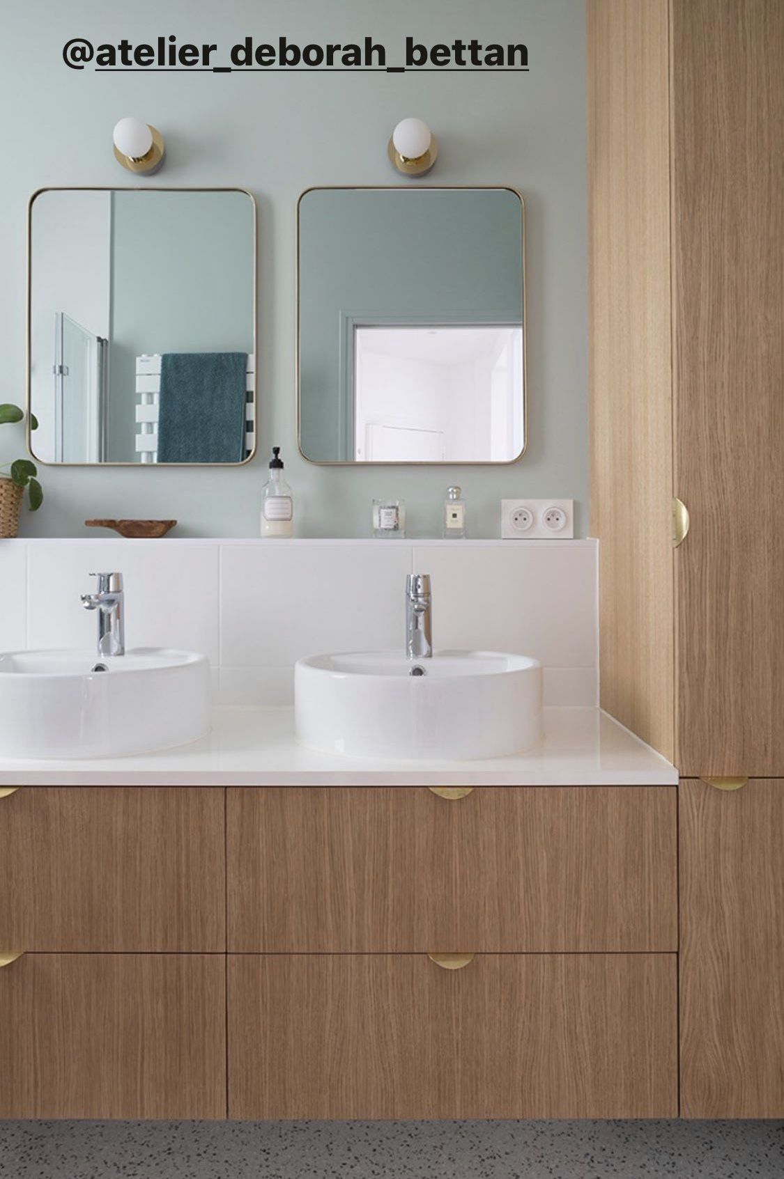 Epingle Par Lo Vincent Sur Bathroom En 2020 Meuble De Cuisine Ikea Meuble Salle De Bain Ikea Salle De Bain