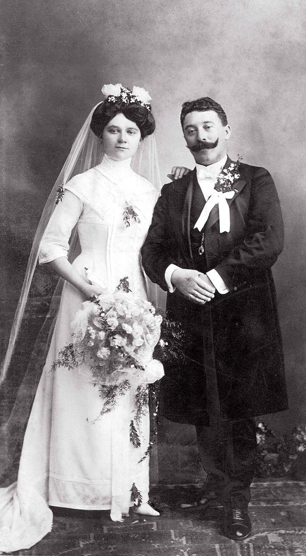 Pin On Vintage Wedding Pictures [ 1313 x 722 Pixel ]