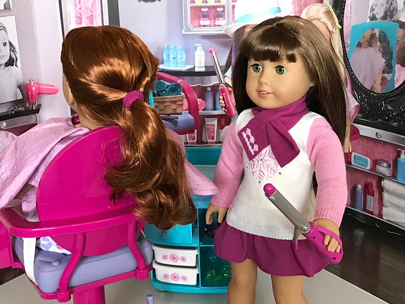A Day At The Hair Salon With American Girl Dolls American Girl American Girl Hairstyles American Girl Doll Hairstyles American Girl