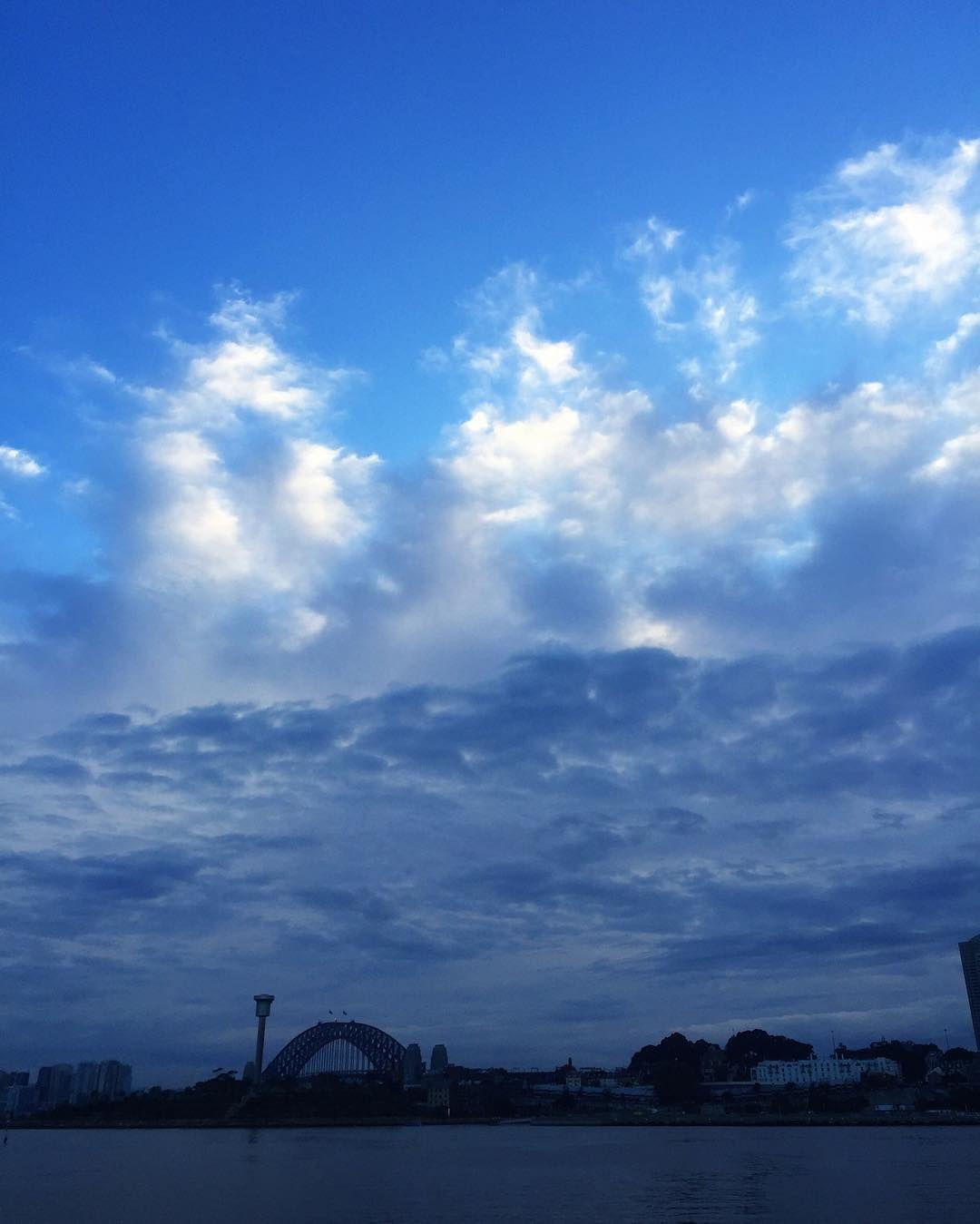 Clouds layer in harmony. #sunrise #jonesbaywharf #sydneyharbour #pyrmont #sydney #cloudporn #bluesky #thinkingofyou @mimstigram #sydneyharbourbridge #clouds #beautiful by simonwebster http://ift.tt/1NRMbNv
