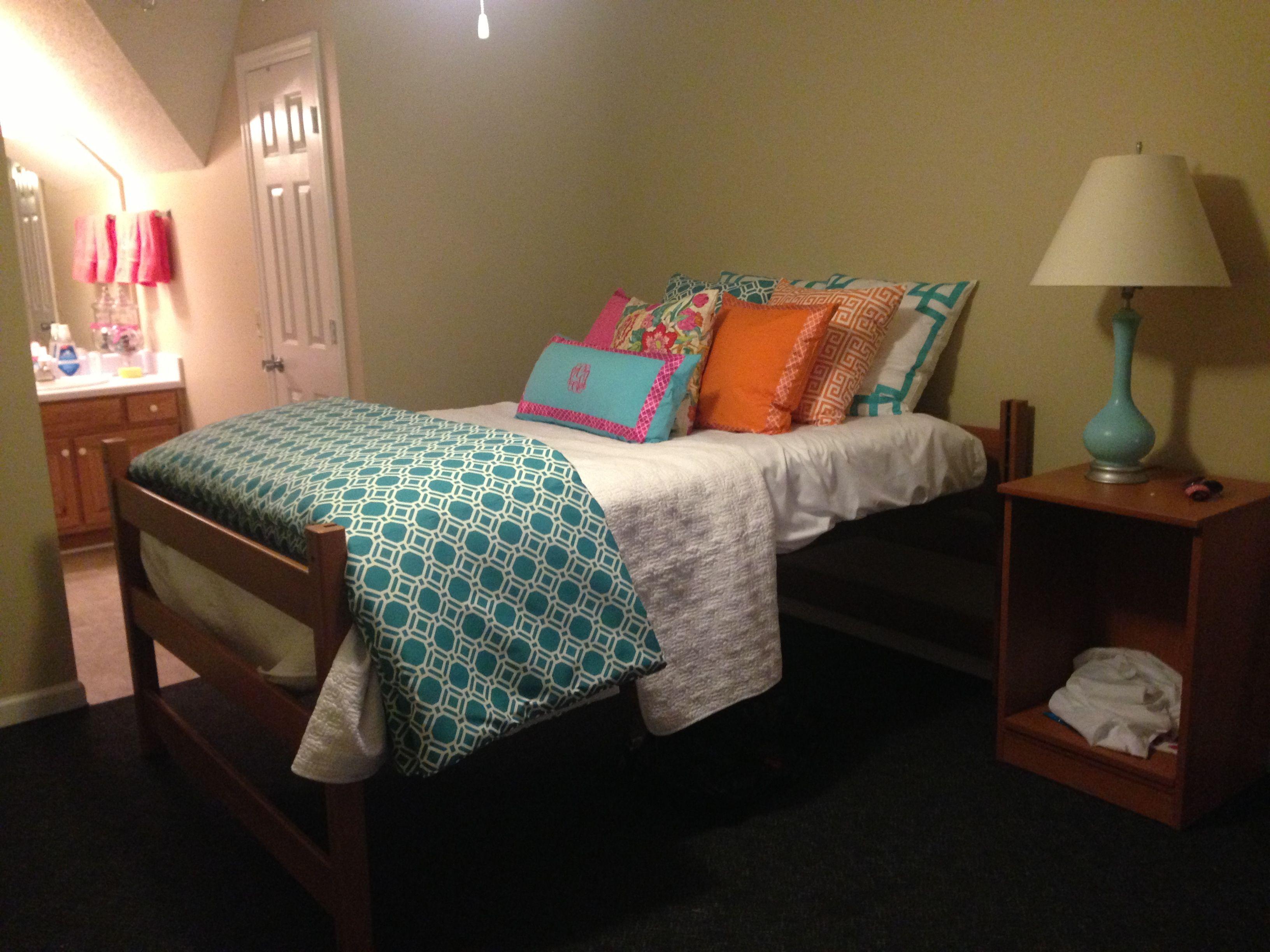 Georgia Southern dorm  Allis dorm room  Pinterest ~ 063030_Southern Dorm Room Ideas