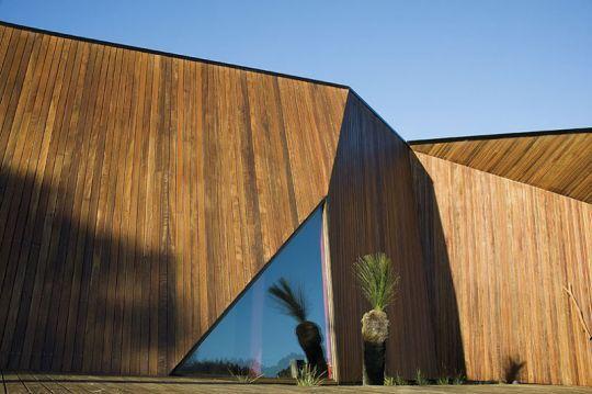McBride Charles Ryan Architect, Letterbox House. Blairgowrie, Australia.  2009