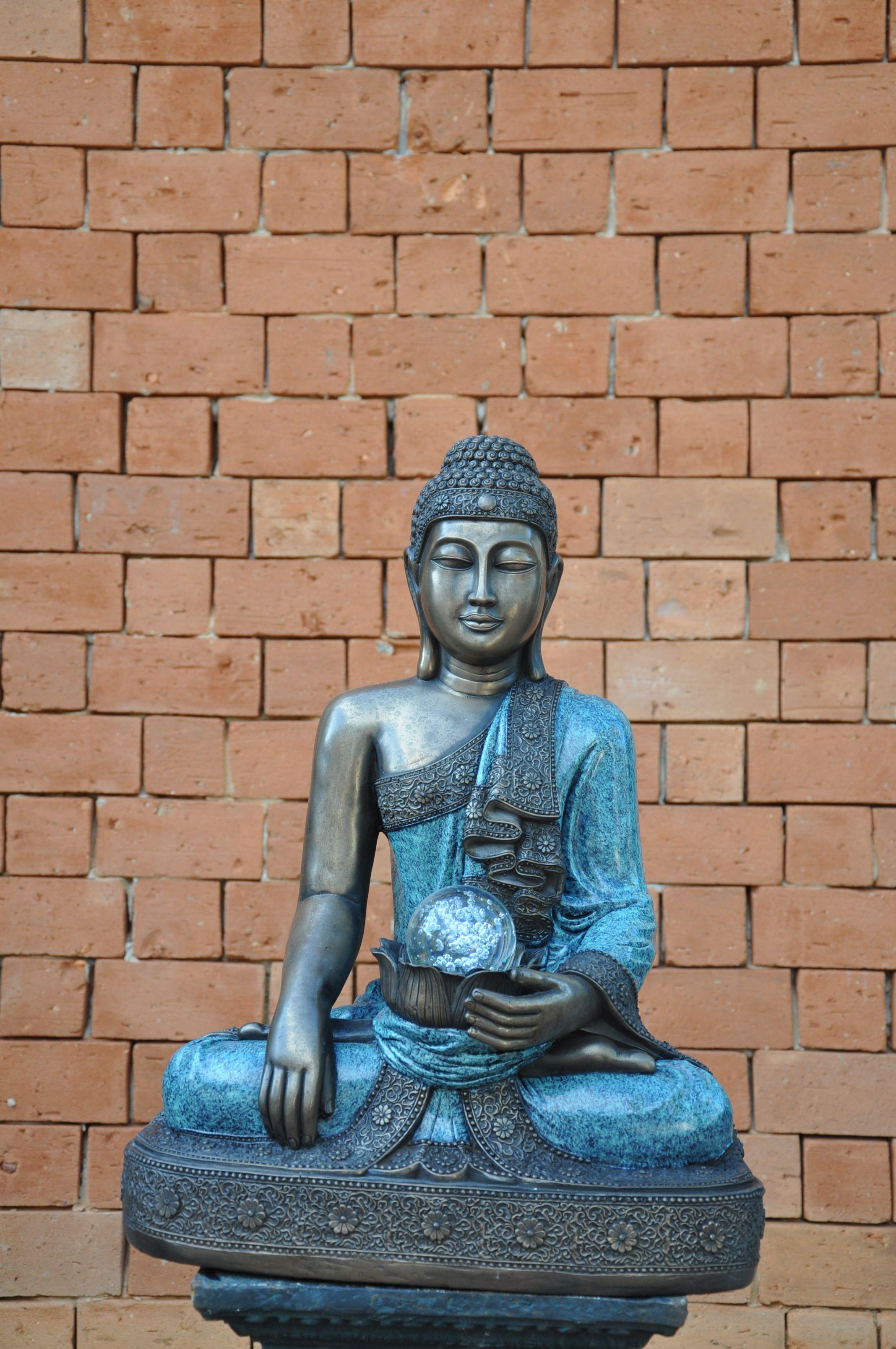 Buda com bola de vidro confeccionado em poliresina. #Buda #Decoracao #Paisagismo #Arquiterura #Nikon