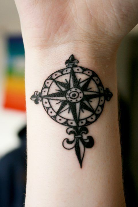 Brújula Flor De Lis Tattoos Tattoos Compass Tattoo Cool Tattoos