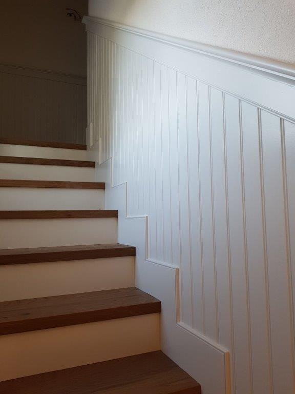 welcome home willkommen zuhause treppe holz wandvert felung. Black Bedroom Furniture Sets. Home Design Ideas