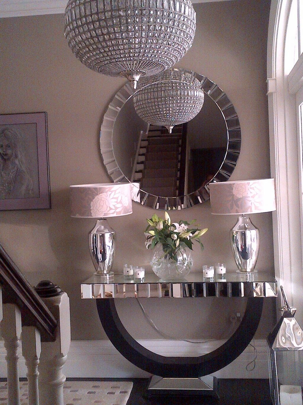 Charmant Our Quartz Console And Mirror Look Gorgeous In This Sumptuous And Feminine  Hallway. Get Yours