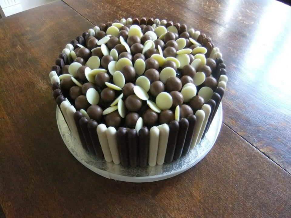 Chocolate mud cake with malteasers, white chocolate ...