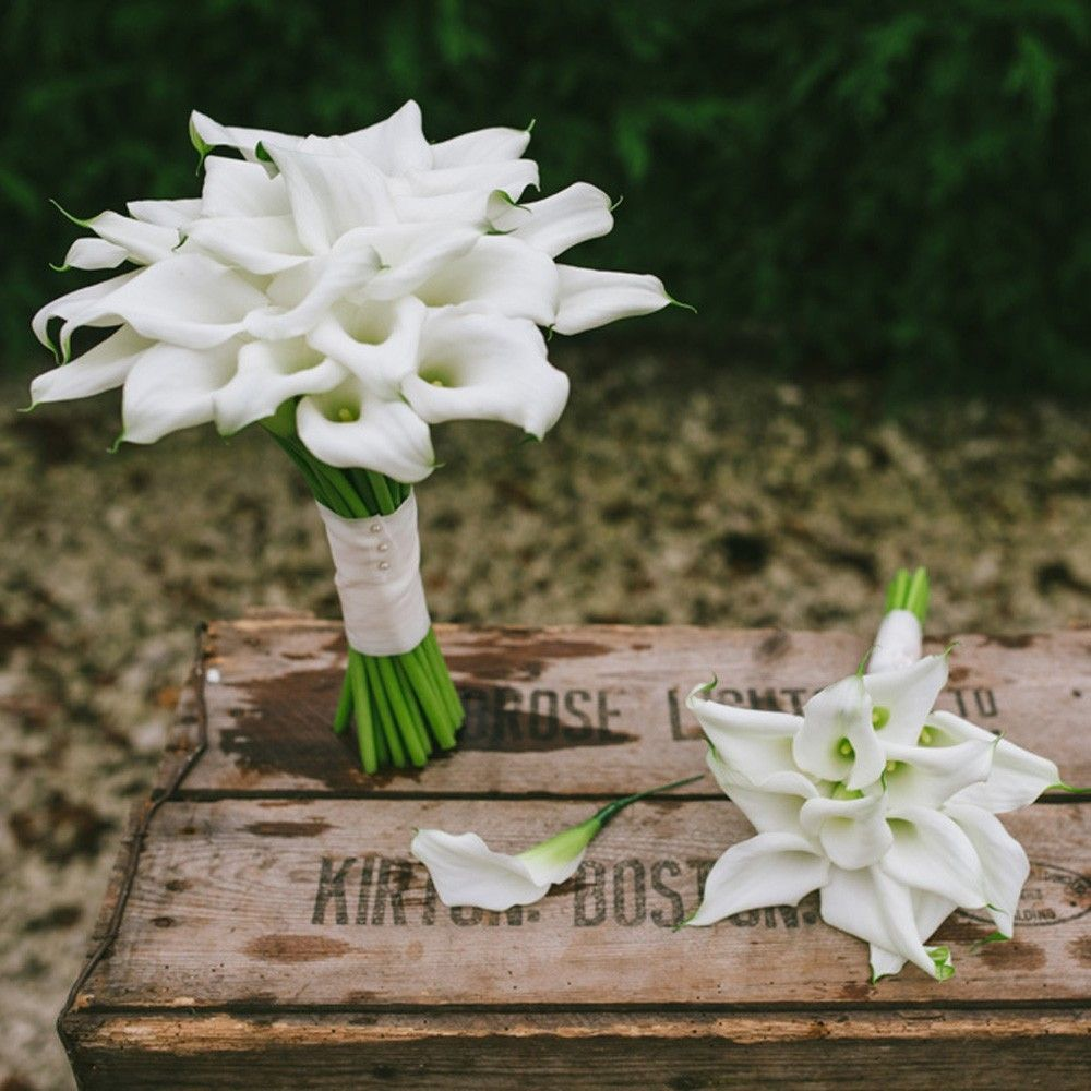 What flowers go with lilies stock flower images pinterest what flowers go with lilies izmirmasajfo