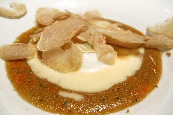 Uovo poch su amaranto con tartufo bianco d alba for La pergola roma prezzi