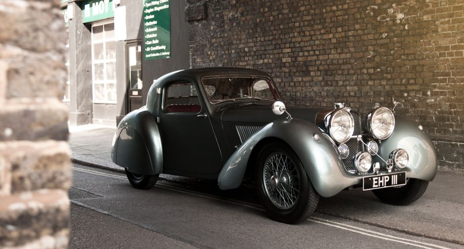 Imagine A 17 Year Old Gordon March Driving Away In This Sublime Sporting Coupe It Was Also Expensive At 595 It Was The Most Costl Jaguar Jaguar Car Coupe