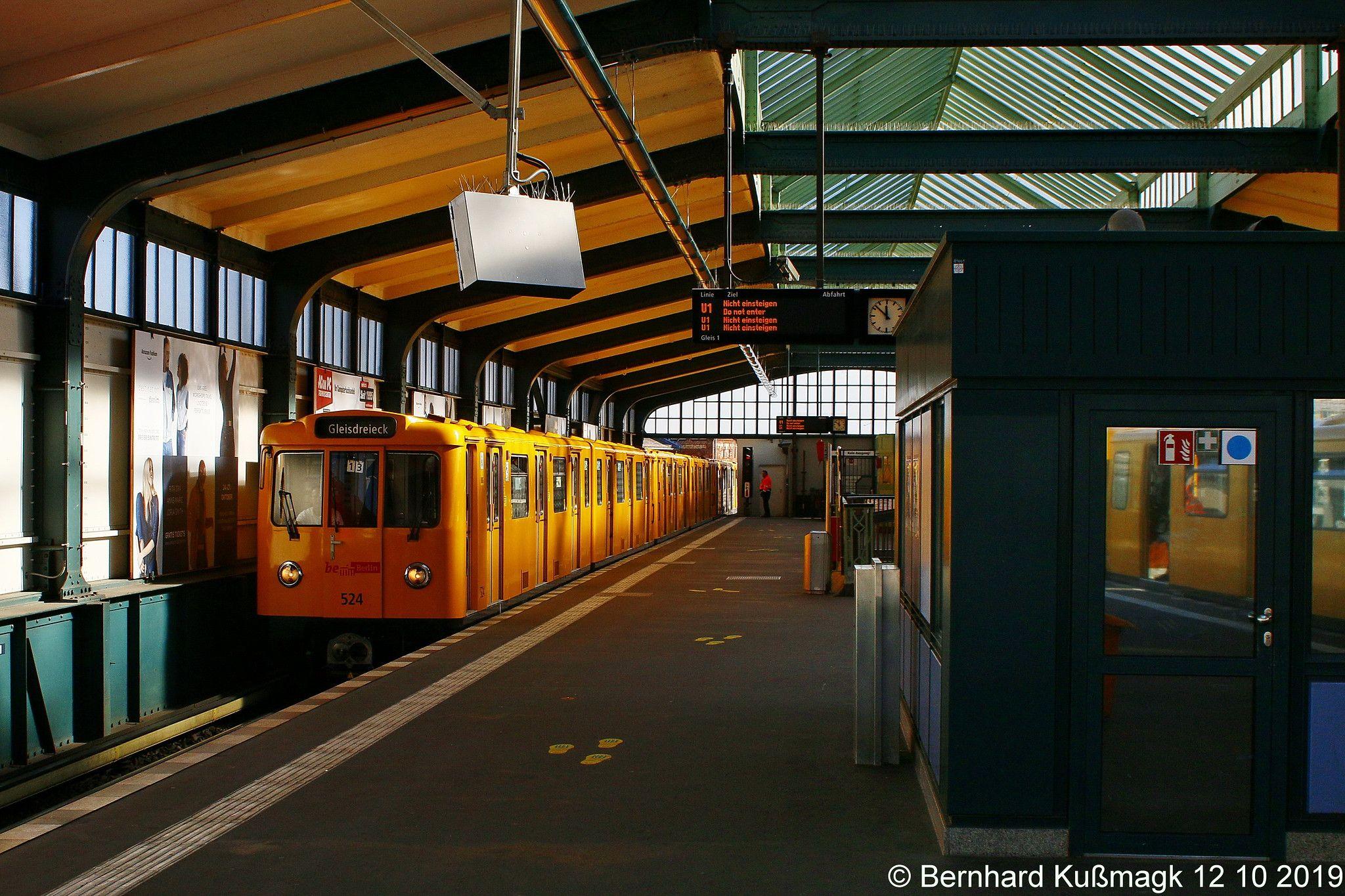 Europa Deutschland Berlin Friedrichshain Kreuzberg Kreuzberg U Bahnhof Gleisdreieck U Bahn Linie U1 Berlin Germany Ho Trains