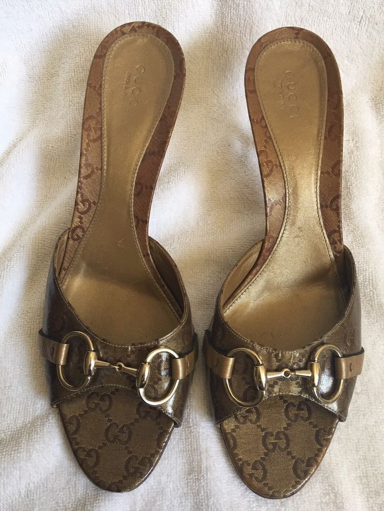 Kitten heel sandals, Kitten heels