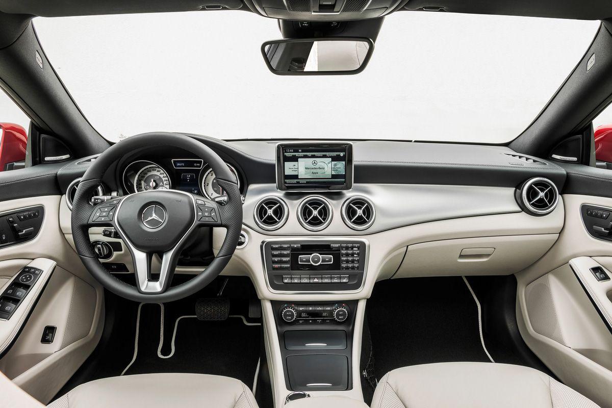 When The Smartwatch Meets The Smart Car Mercedes Benz Cla 250