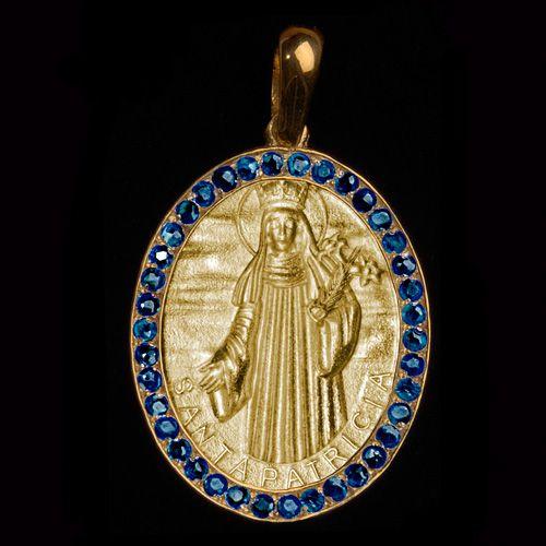 Medalhas Santa Patrícia em ouro 18 k cravejada Safiras. Clique e veja mais detalhes!