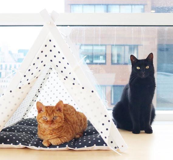 tipi blanc noir pour chat ou chien paniers et plaid. Black Bedroom Furniture Sets. Home Design Ideas