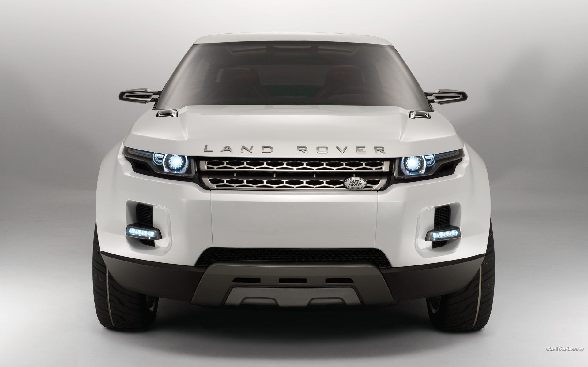 Rastar Land Rover Evoque 12v With Remote Control White Land
