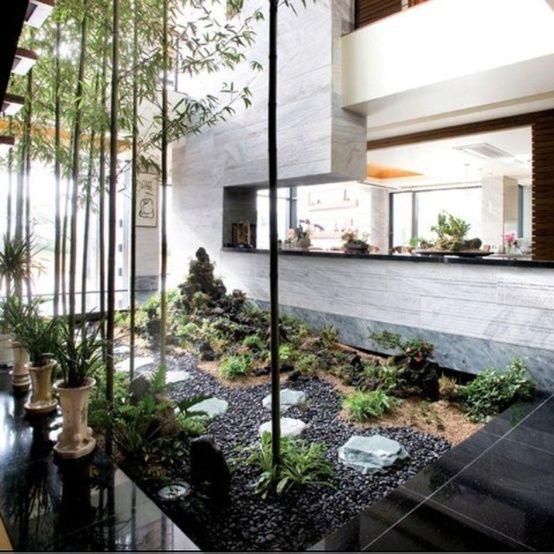 Jardines interiores oficinas con jardin pinterest house for Jardines interiores modernos