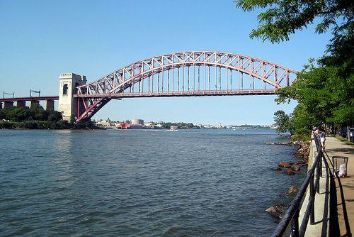 Astoria Park - Hell Gate Bridge