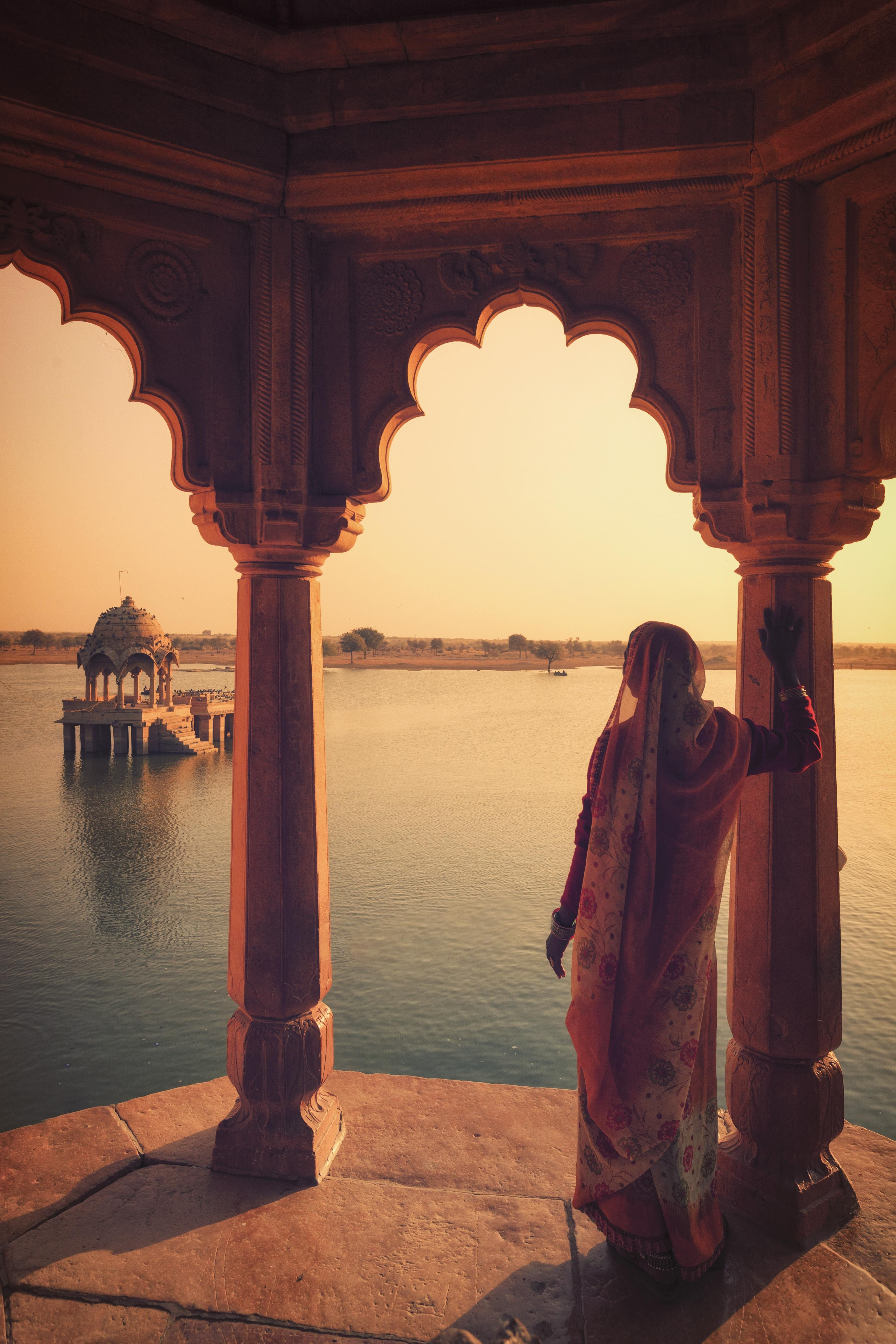 7 Beauty Secrets To Steal From India, The Middle East, and Beyond