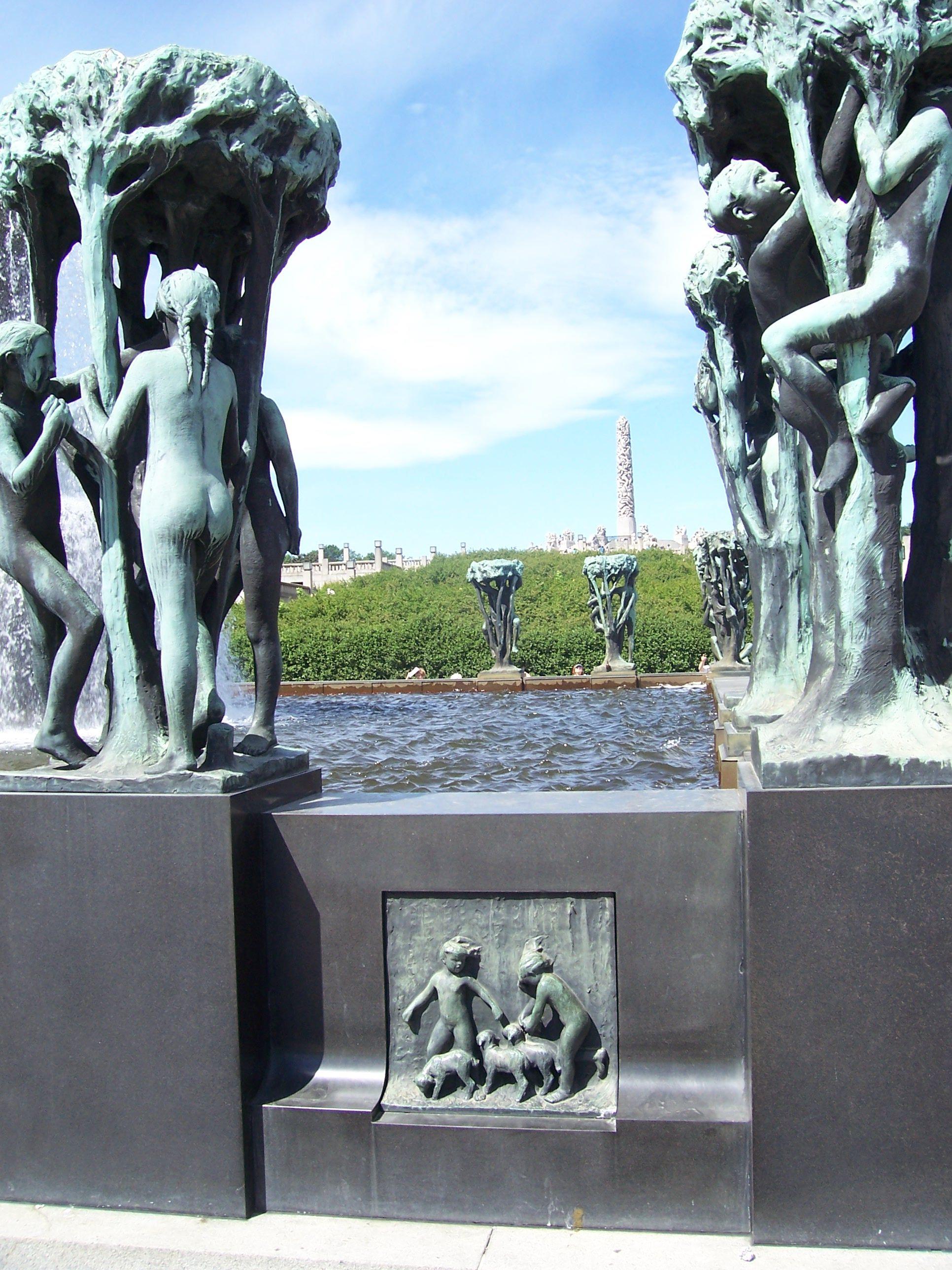 Vigelandsparken In Oslo Norway Holidays In Norway Norway Sculpture Park