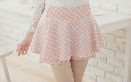 if these have short underneath, or are shorts, wow I love!
