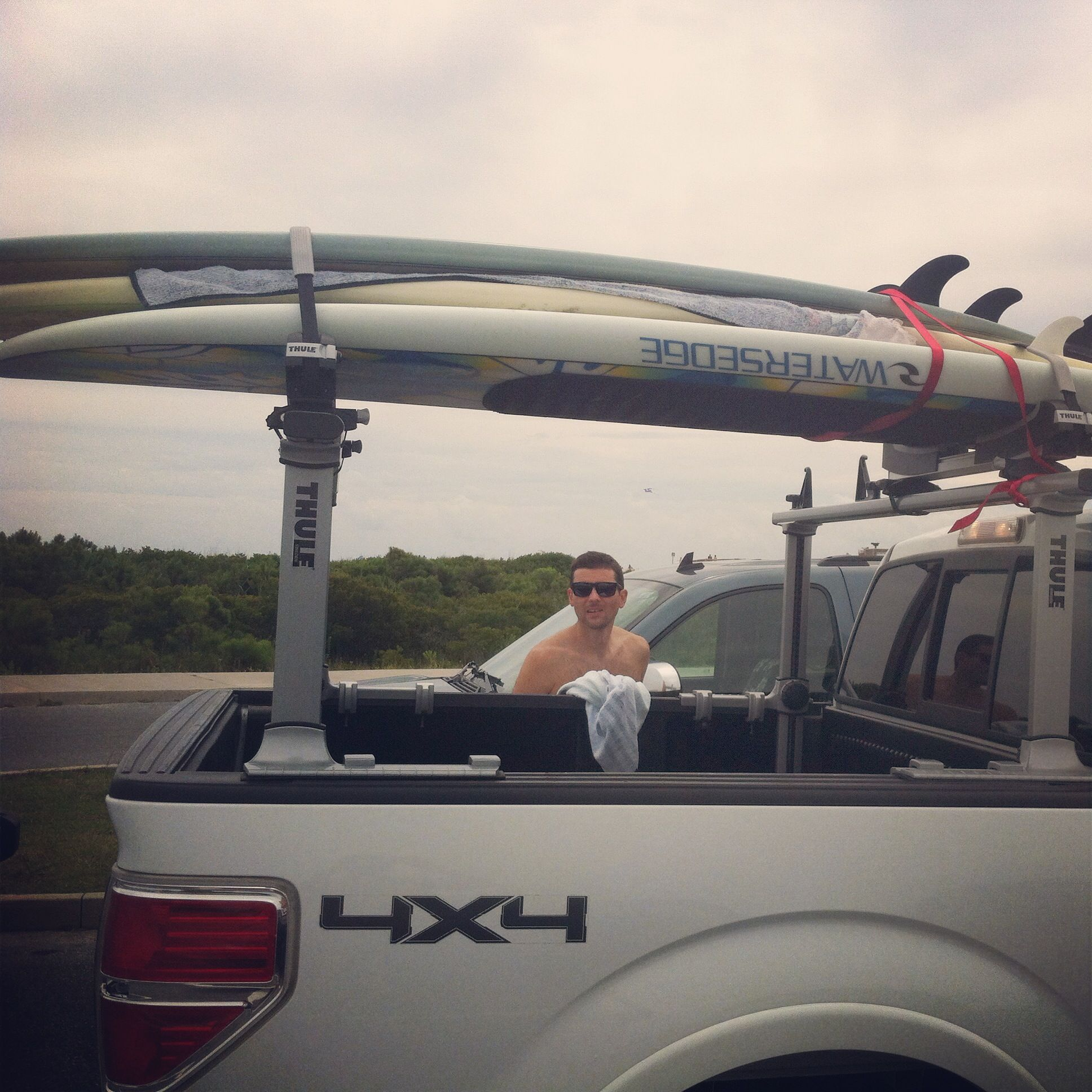 Thule Paddleboard And Surfboard Truck Rack Suptransportation Surfboardtransportation Storeyourboard Kayak Rack Surfing Paddleboard Rack