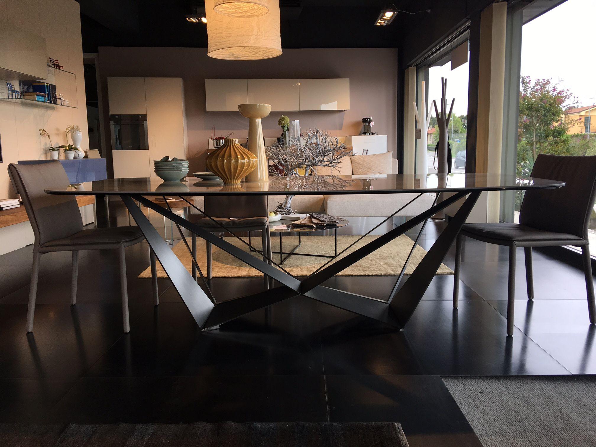 Skorpio Keramik, tavolo sagomato di Cattelan Italia | Outlet design ...
