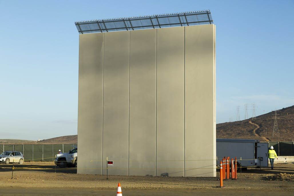 Trump Border Wall Prototypes Completed Prepare For Sledgehammer Testing In 2020 Border New Wallpaper Construction