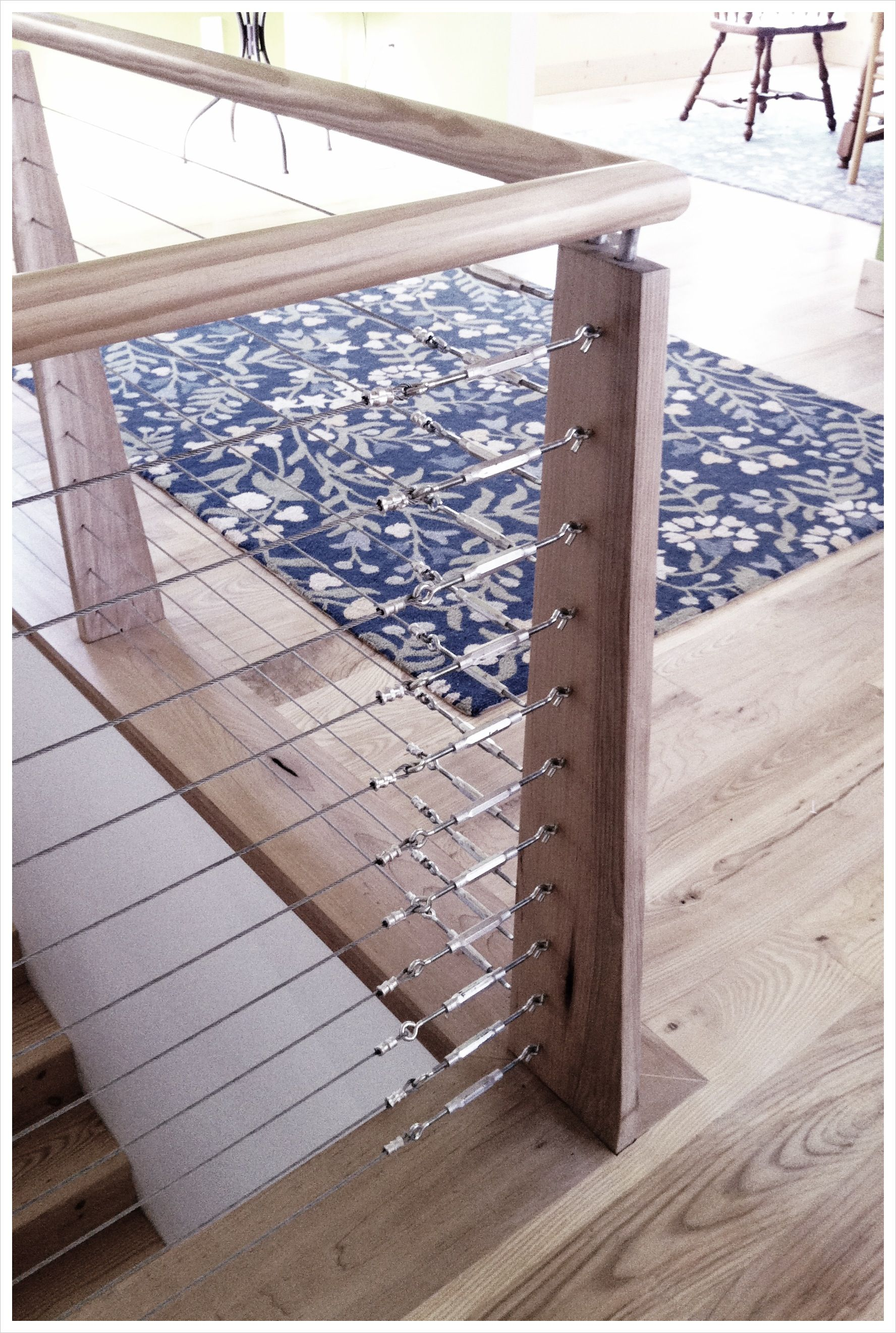 Best Hand Railing System In Hardwood With Tensioned Steel And 400 x 300